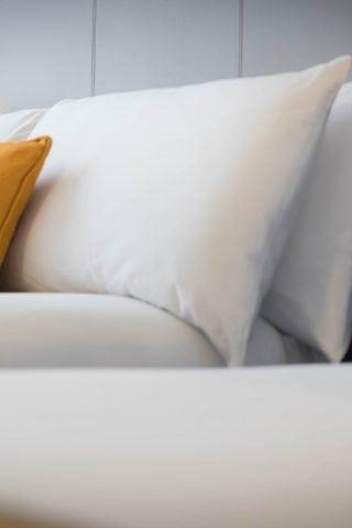Maldron standard bedroom closeup